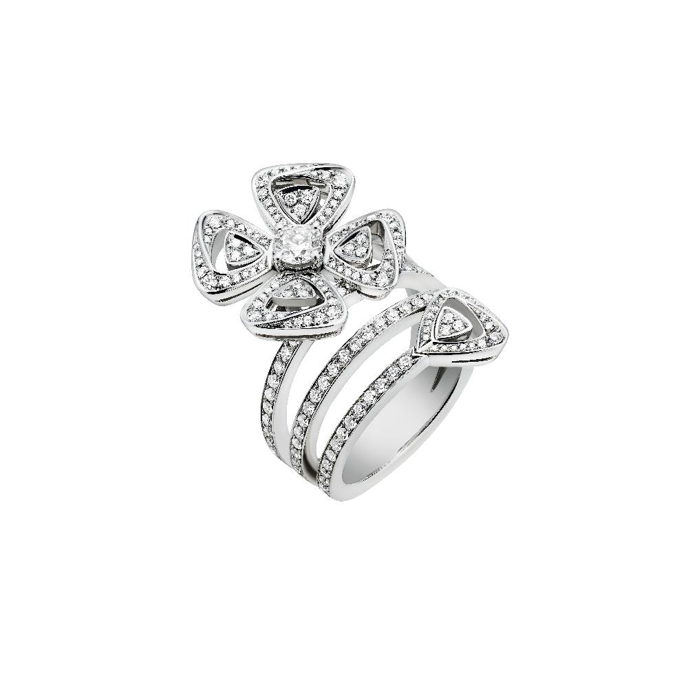 「フィオレヴァー」リング〈WG、ダイヤモンド〉¥1,705,000