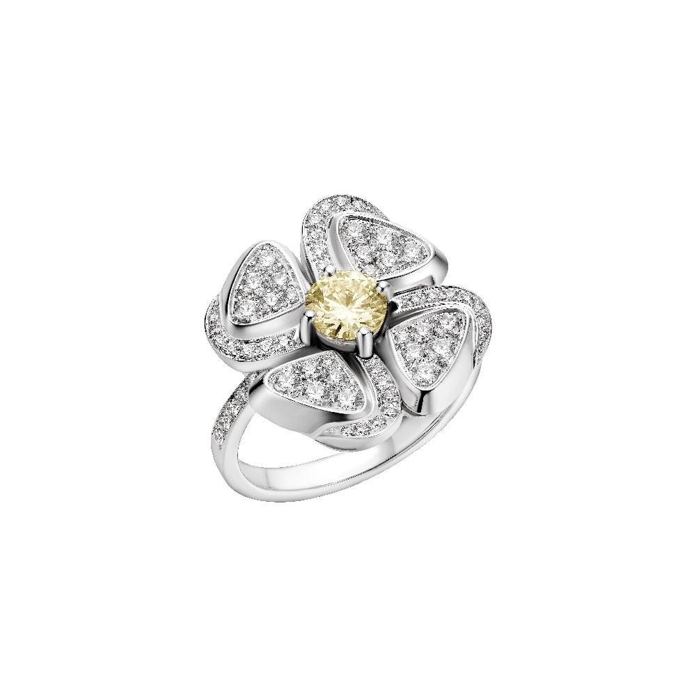 """""""フィオレヴァー""""リング〈WG、ダイヤモンド〉¥1,960,000 ※予定価格"""