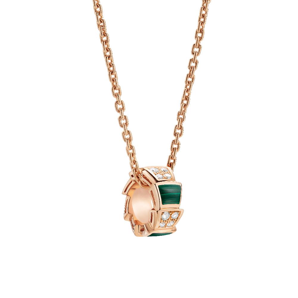 """""""セルペンティ ヴァイパー""""ネックレス〈ピンクゴールド、ダイヤモンド、マラカイト〉¥500,000"""