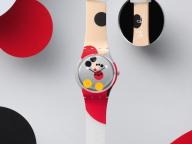 スウォッチから、ミッキーマウス生誕90周年記念のダミアン・ハーストによる限定ウォッチが登場