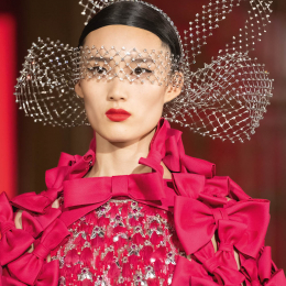ヴァレンティノが北京を席巻、絢爛豪華なオートクチュールが誘うデイドリーム