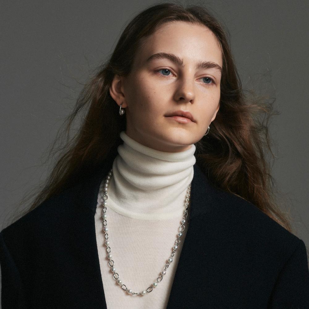 「M コード リベルテ」ネックレス〈シルバー、アコヤ真珠〉パールサイズ 約6.50mm以上7.00mm未満 ¥396,000