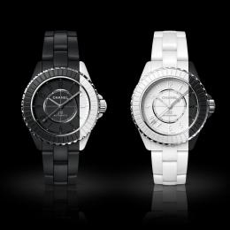 ブラックとホワイトが織りなす鮮烈なコントラスト、シャネル「J12 パラドックス」がチャリティオークションに出品