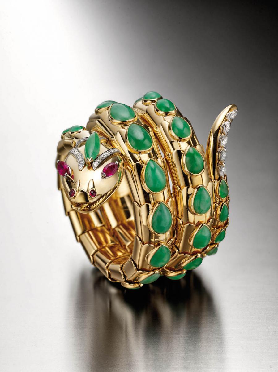 ブルガリ・ヘリテージ・コレクションより、1965年に制作された「セルペンティ」ブレスレット。イエローゴールド、ルビー、ダイヤモンド製。Photo courtesy of brand