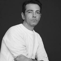 アライア、新クリエイティブ・ディレクターにピーター・ミュリエ。ラフ・シモンズの右腕として活躍した実力派