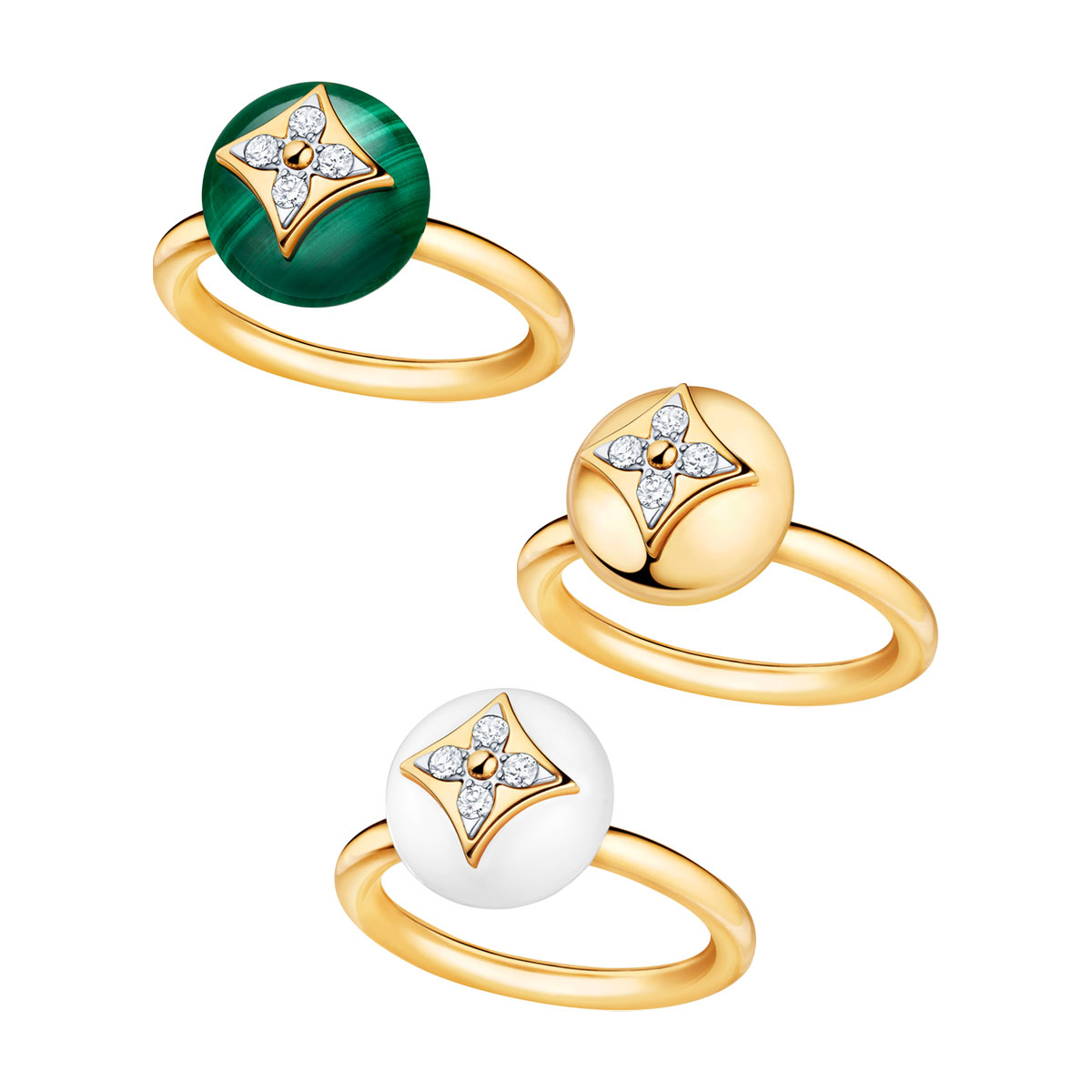 """""""バーグBブロッサム"""" リング(上から)〈YG、マラカイト、ダイヤモンド〉¥400,000、〈YG、ダイヤモンド〉¥400,000、〈YG、ホワイトアゲート、ダイヤモンド〉¥359,000"""