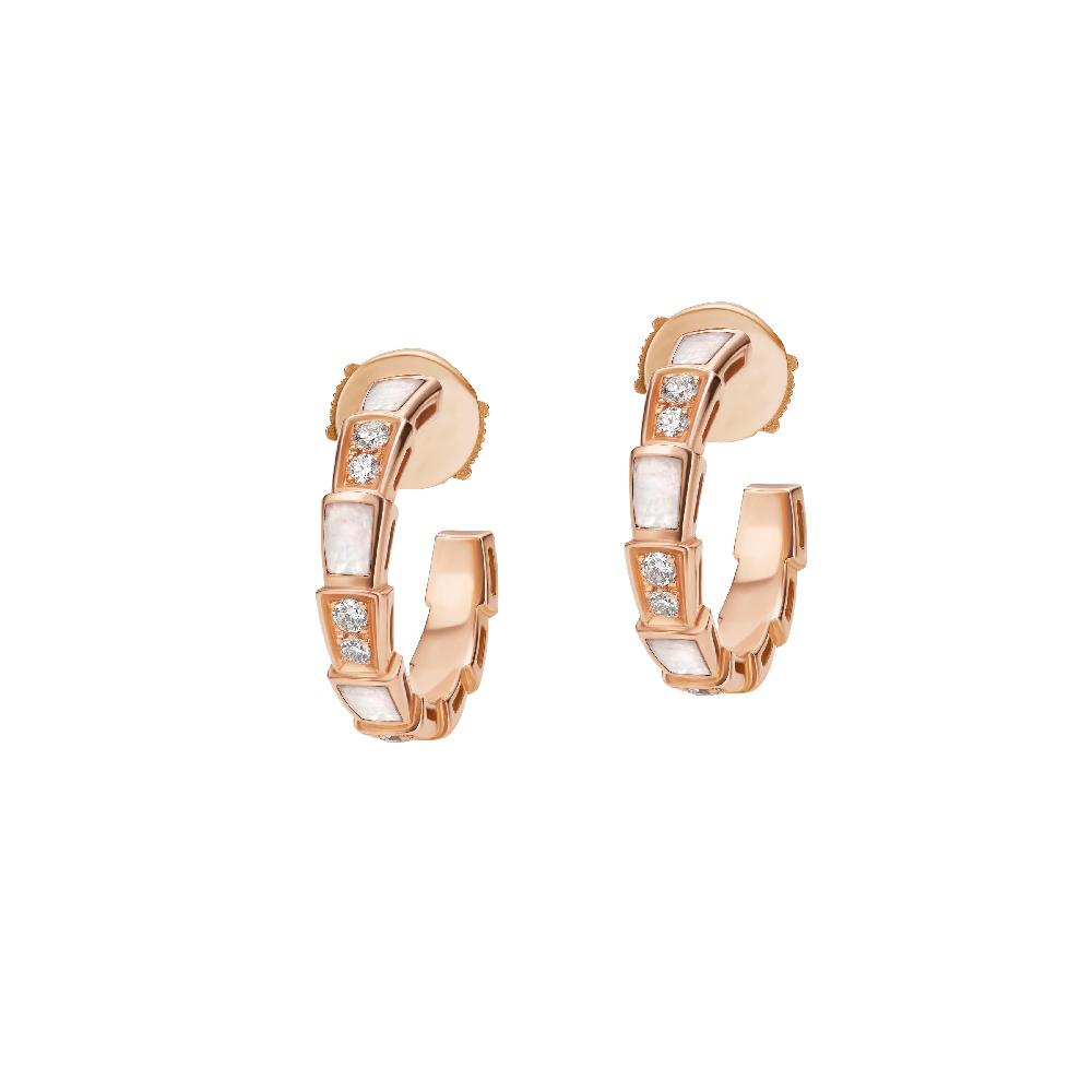 """""""セルペンティ ヴァイパー""""イヤリング〈ピンクゴールド、ダイヤモンド、マザーオブパール〉¥435,000"""