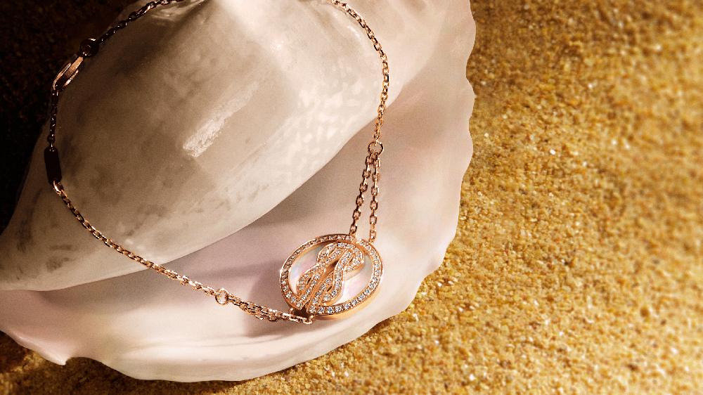 「ラッキーメダル」ブレスレット〈YG、ダイヤモンド、マザーオブパール〉
