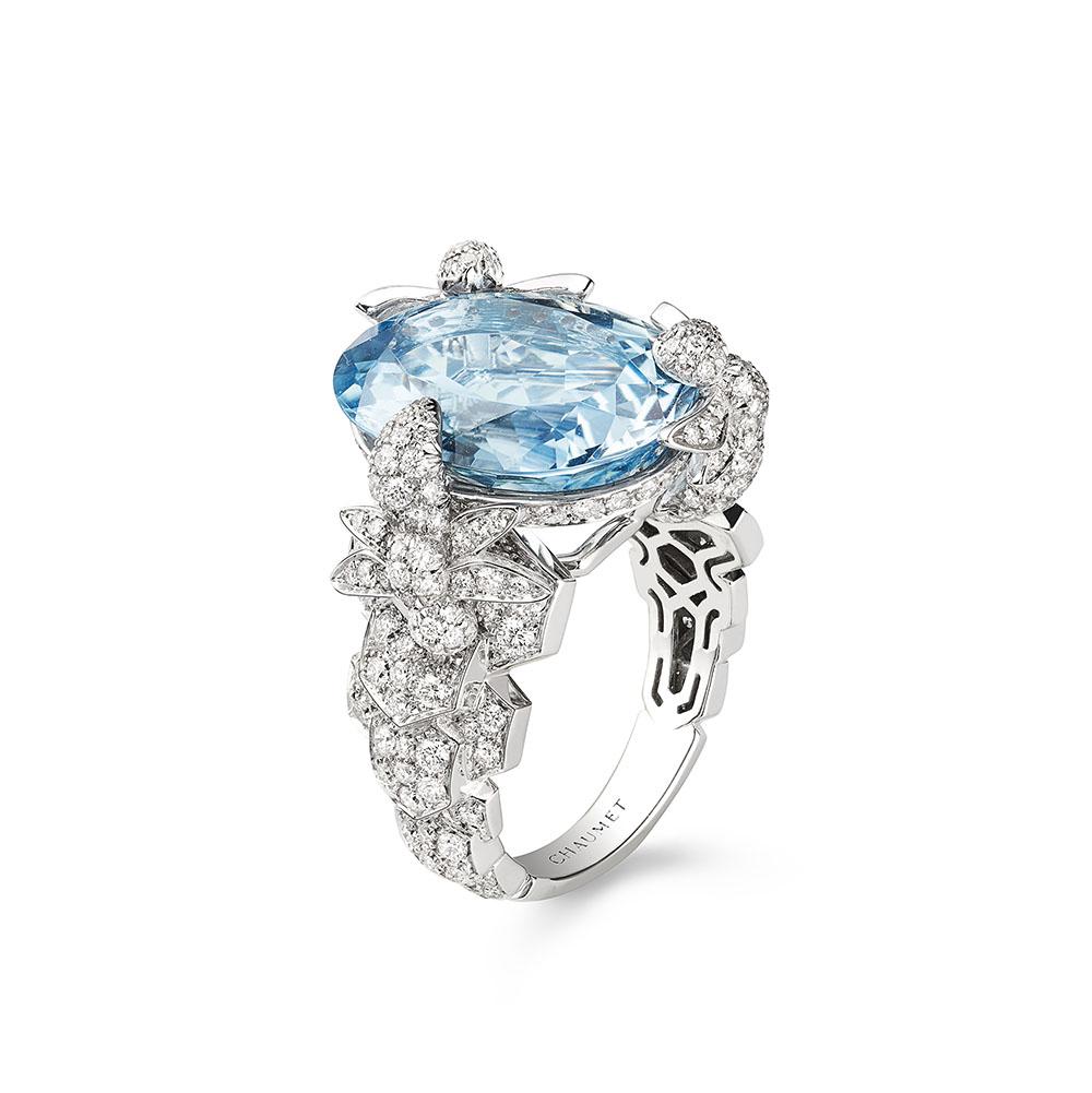 """""""ビー マイ ラブ""""エクスクイーズ リング〈WG、ダイヤモンド、アクアマリン〉¥4,080,000"""