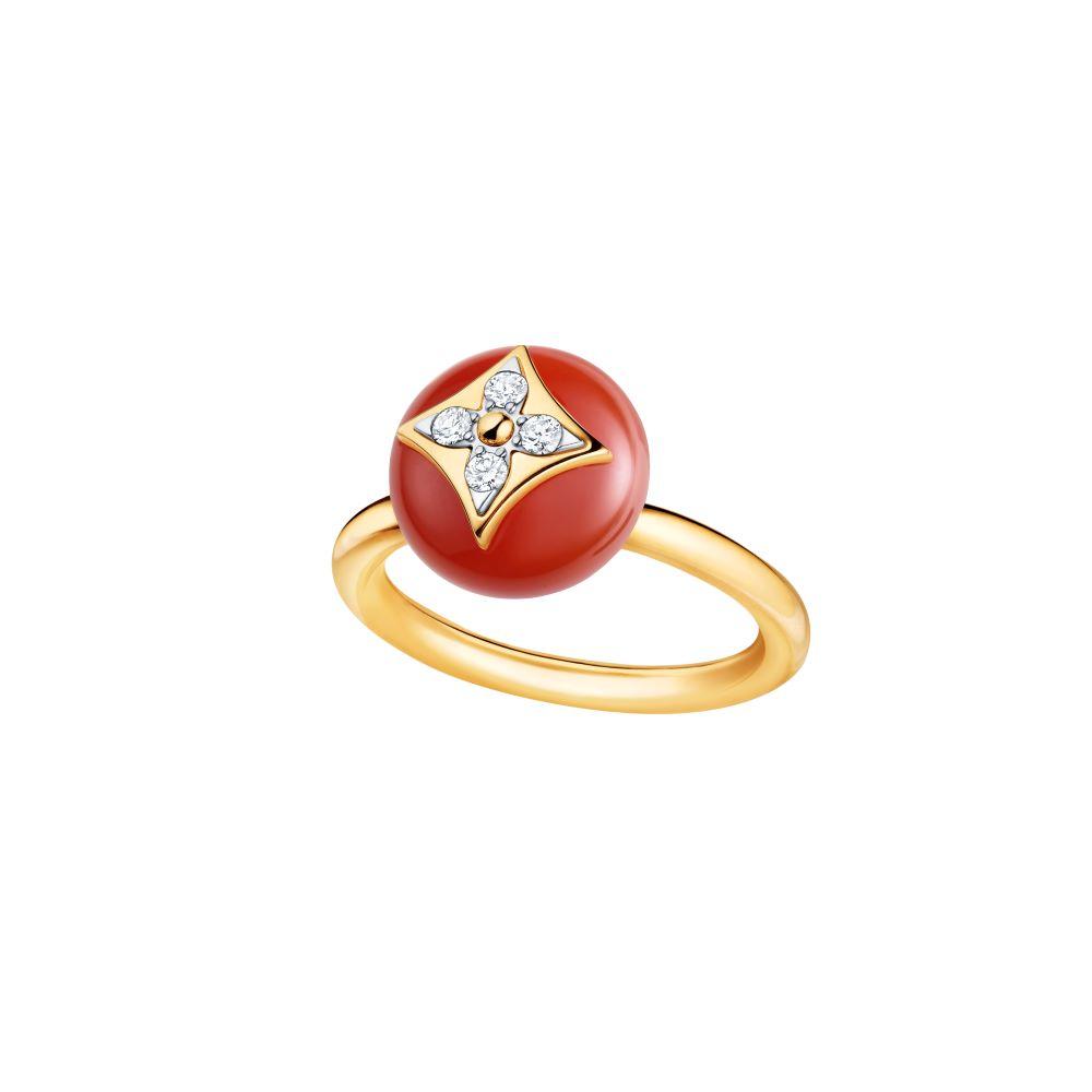 """B ブロッサム""〈YG、ダイヤモンド、カーネリアン〉¥411,000"
