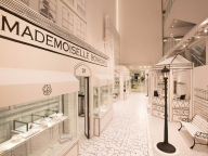 パリ、カンボン通りの街並みが銀座に。「ラ リュ ドゥ シャネル」ポップアップイベントはもうチェックした?