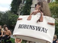 【NYFW 19SS】ファッションサーキットが開幕、NYで注目は新デザイナーのデビューを飾ったあのブランド