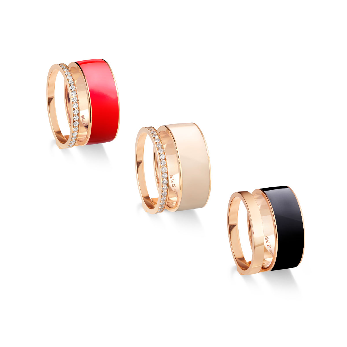 """ミニマルなデザインが特徴の """"ベルベル"""" リング。(左、中央)〈18KPG、ラッカー、ダイヤモンド〉、(右)¥399,000〈18KPG、ラッカー〉¥237,000"""