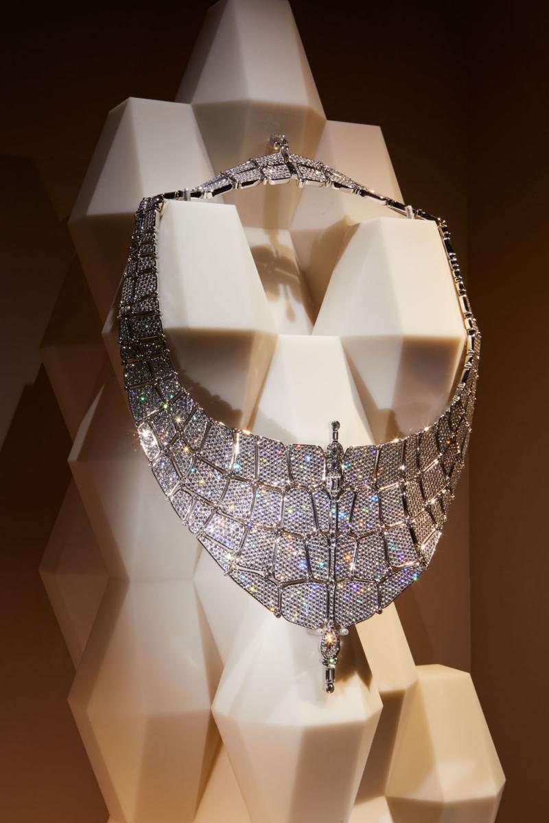 「ニロティカス」ネックレス(WG×ダイヤモンド)© Nacása & Partners Inc.