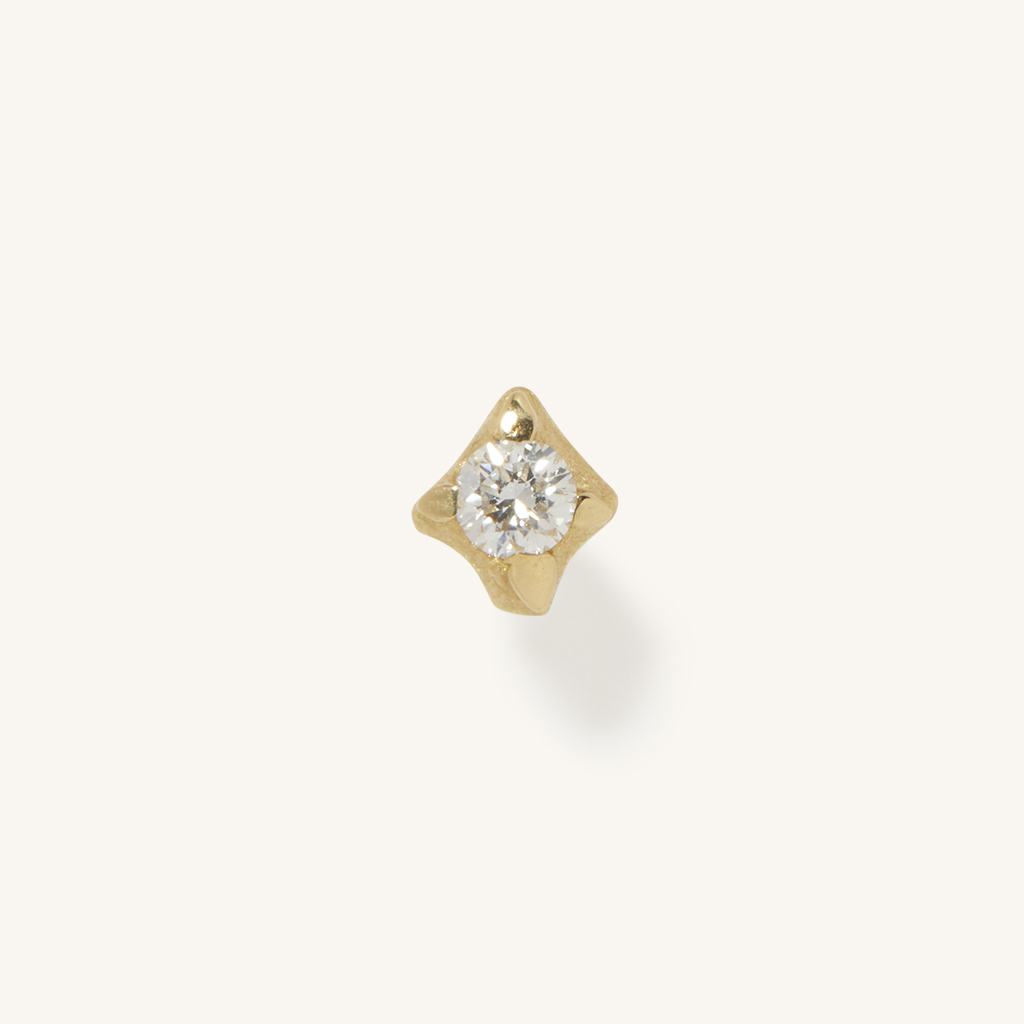 「花火」ピアス〈K18YG、ダイヤモンド〉¥74,800