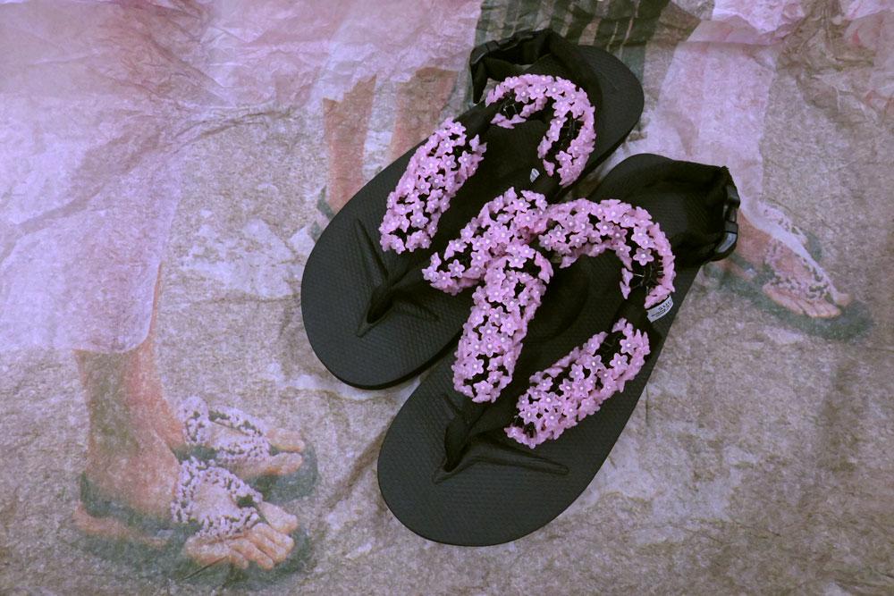 「橋本愛が最近買ったもの」セシリー・バンセンのフリップフロップ