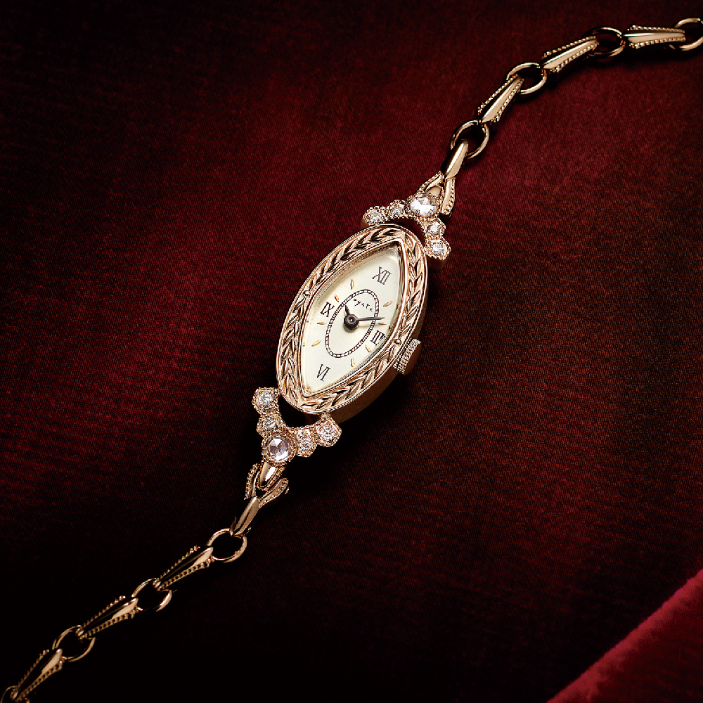 ウォッチ〈ゴールドプレーテッドシルバー、ゴールドプレーテッドステンレス、ダイヤモンド、シルバー〉¥120,000