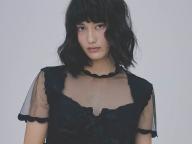【橋本愛の武装MODE】ロバーツ・ウッドを着た、パンクプリンセス