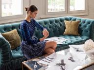 """オメガがカイア・ガーバーのデザインによる""""トレゾア レディス コレクション""""の新ストラップを発売"""