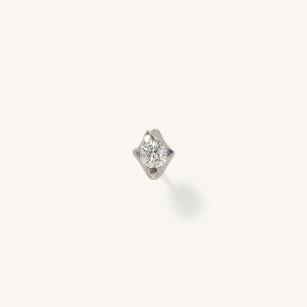 「花火」ピアス〈K18WG、ダイヤモンド〉¥46,200