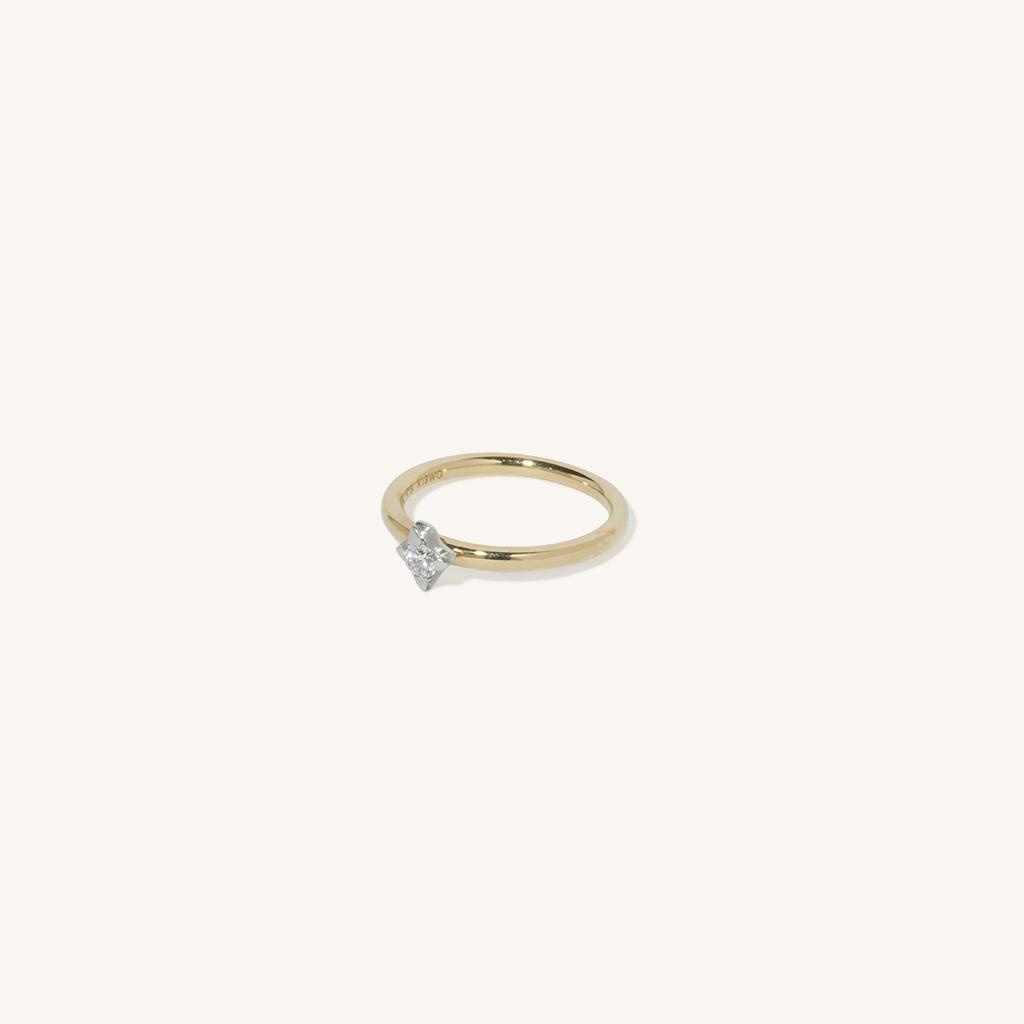 「花火」リング〈K18YG、K18WG、ダイヤモンド〉¥132,000