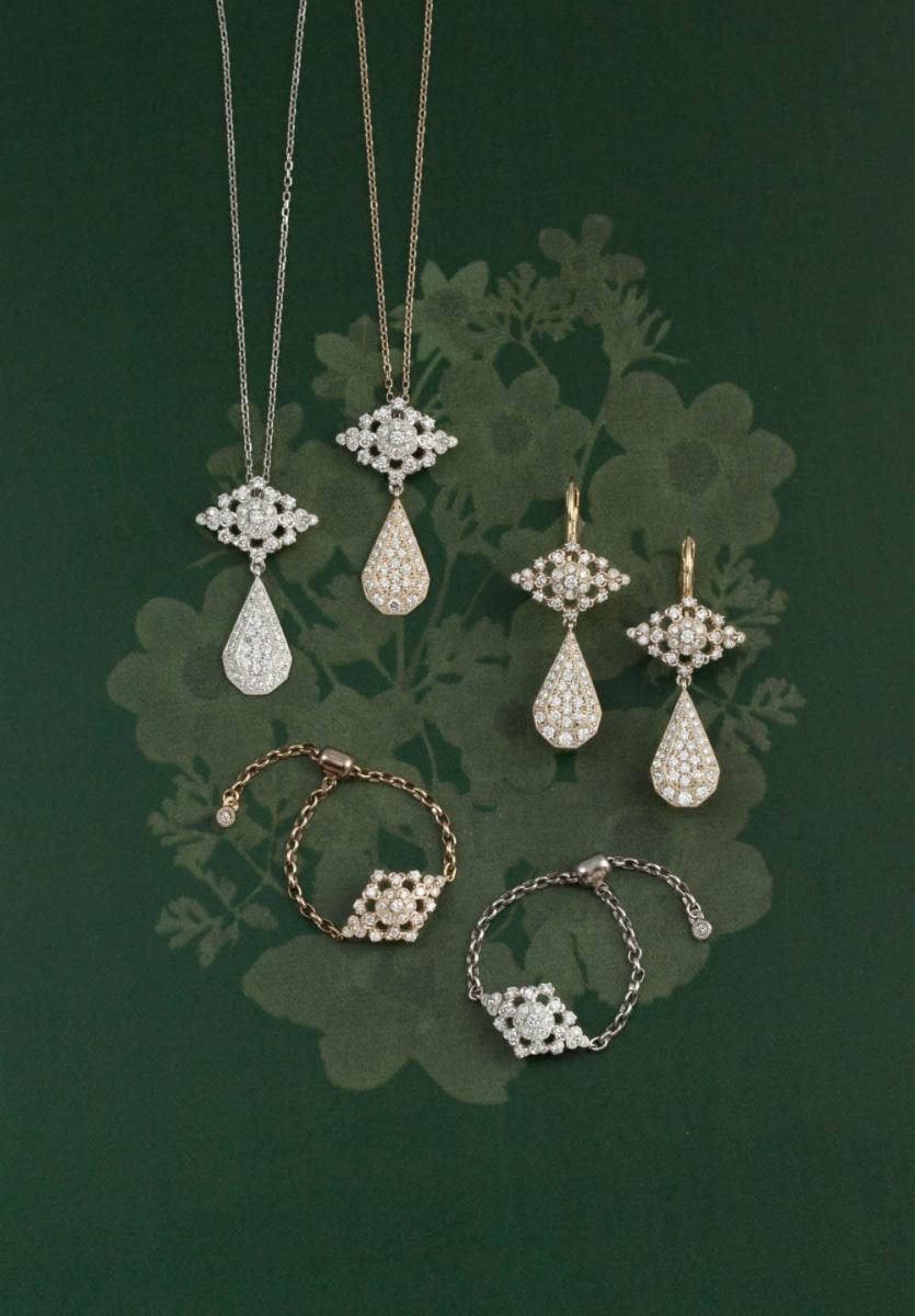 (左上から)ネックレス(Pt×ダイヤモンド)¥270,000、ネックレス(Pt×18Kシャンパンゴールド×ダイヤモンド)¥230,000・ピアス(18Kシャンパンゴールド×ダイヤモンド)¥338,000、チェーンリング(18Kシャンパンゴールド×ダイヤモンド)¥100,000・チェーンリング(Pt×ダイヤモンド)¥110,000