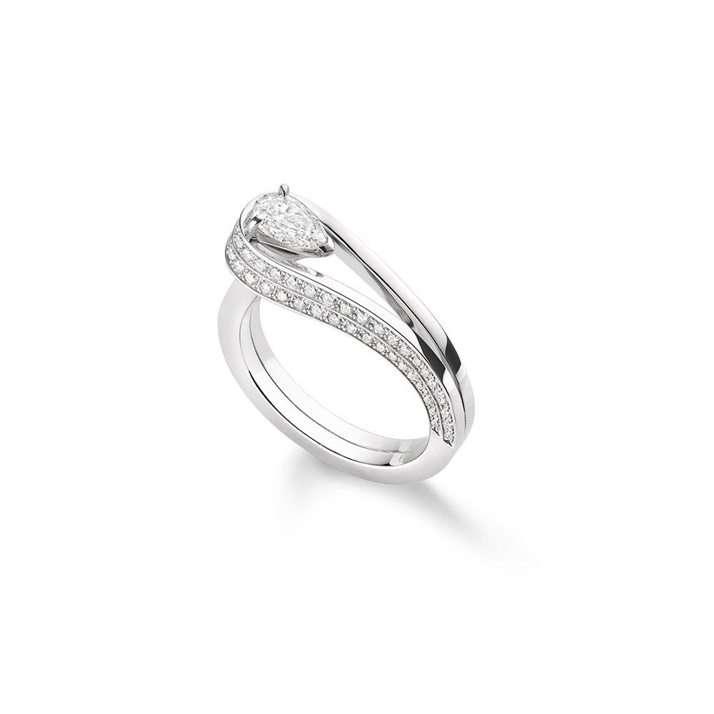 """""""セルティ・アンヴァーセ""""リング〈WG、ダイヤモンド〉¥1,070,000"""