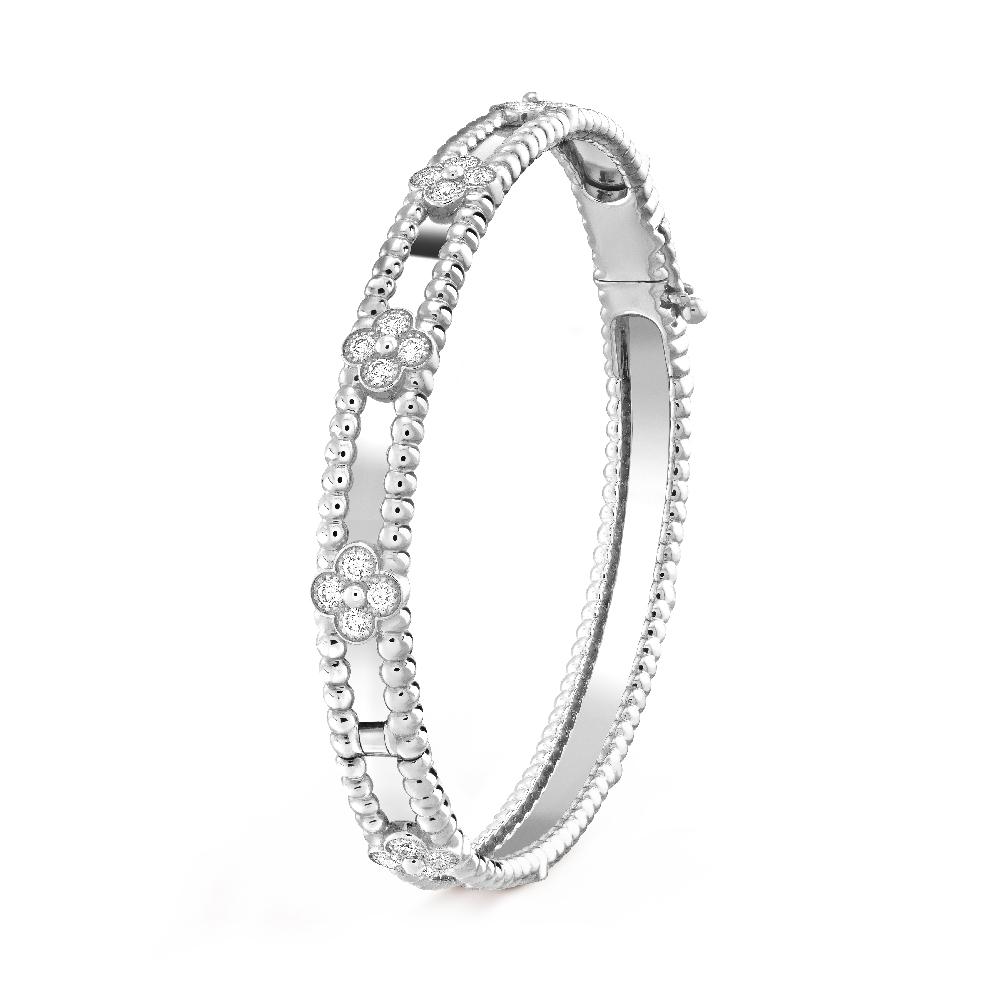 「ペルレ スウィートクローバー」ブレスレット〈WG、ダイヤモンド〉¥1,927,200