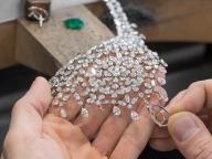 ショパール新作ハイジュエリーコレクション、ダイヤモンドが紡ぐ繊細なレースワーク