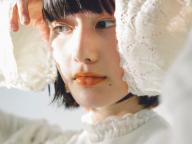 【橋本愛の武装MODE】粒子の細かい服、マメ クロゴウチ