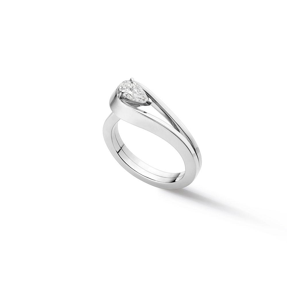 """""""セルティ・アンヴァーセ""""リング〈WG、ダイヤモンド〉¥786,000"""