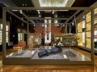 ルイ・ヴィトン 表参道店で「オブジェ・ノマド コレクション」の厳選アイテムを特別展示