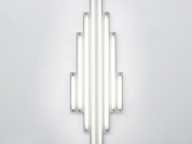 光を用いた作品を生み出し続けたダン・フレイヴィンの個展がエスパス ルイ・ヴィトン東京で開催中