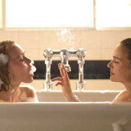 ナタリー・ポートマンとリリー=ローズ・デップが姉妹を演じた映画『プラネタリウム』