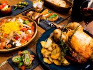 熱々のロティサリーチキンを昼も夜も! 代官山にフレンチカフェ&バー「ロティ シェ・リュイ」オープン