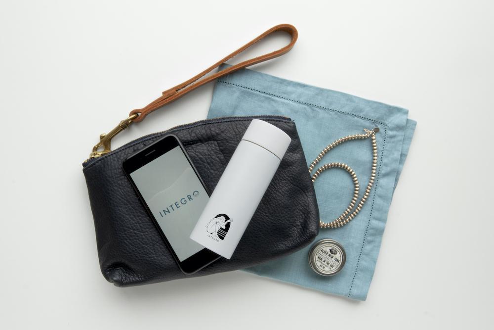 「インテグロ ポケットボトル」(120ml/∅4.5×H13.3cm)¥1,550