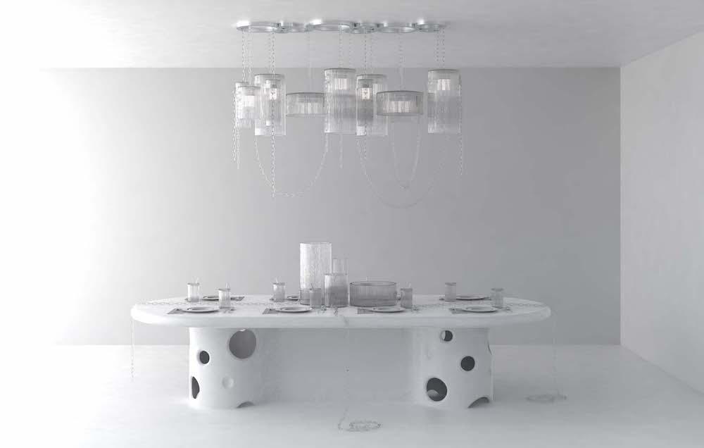 「Crystal Clear」コレクションは今年2月にパリで発表。シャンデリア、ベース4型、グラスで構成されている。