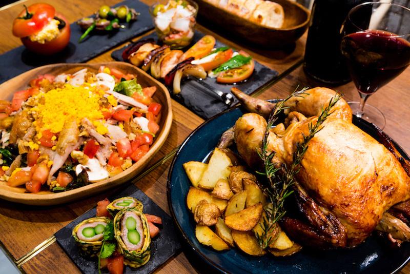 「プレロティ」を中心とした充実のパーティープランは4名から予約可。¥2,500〜