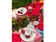 キュートなイチゴが食卓を華やかに! マリメッコからスイーツを瑞々しく描いたアーカイブ柄が登場