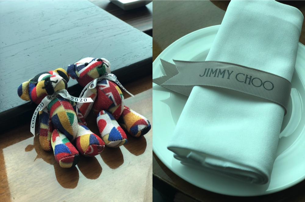 左 コンラッドベア 右 ナプキンにはジミー チュウのリボンが。