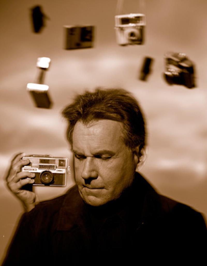 キービジュアルを撮影した視覚障害者の写真家、教師、アクティビストのブルース・ホール。