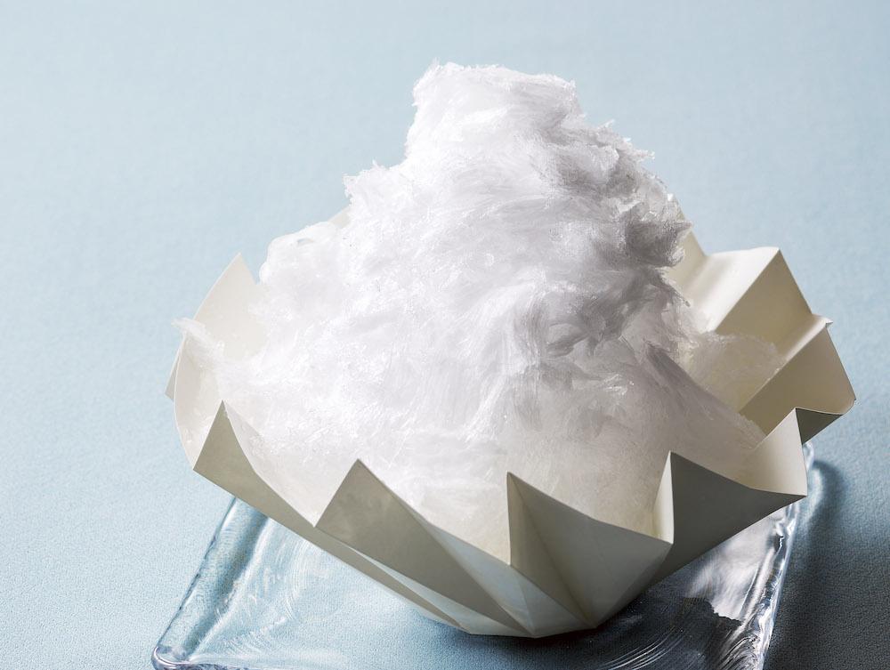 練乳そのもののミルキーな味わいが味わえるオリジナルの「練乳エスプーマ」をかけただけでも十分美味しい。