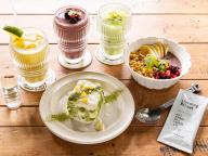 カフェタイムにタンパク質をおいしく補給。スーパーフード入りのプロテインを使ったスイーツ&ドリンクが「グロリアス チェーン カフェ渋谷」に登場!