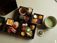 秋の昼下がりは香り高いお茶とともに。パレスホテル東京「日本茶アフタヌーンティー」