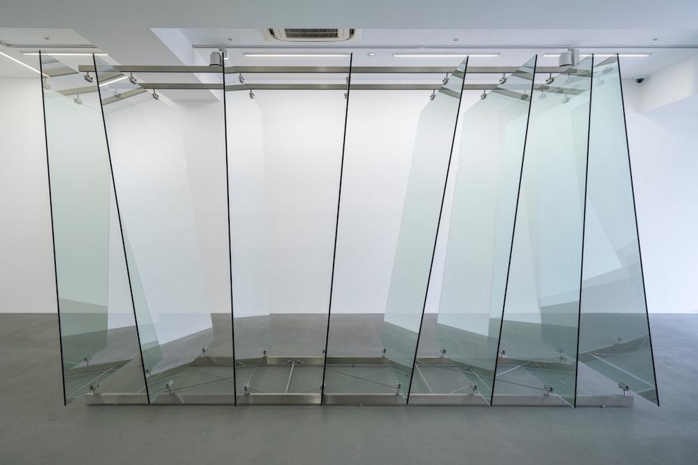 ゲルハルト・リヒター「8枚のガラス板」2012年 協力:ワコウ・ワークス・オブ・アート © Gerhard Richter 2019(01082019)