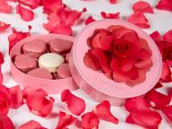 真っ赤なバラに愛を託して。ラデュレのバレンタインコレクション「ラデュレ・ア・ラ・フォリ」