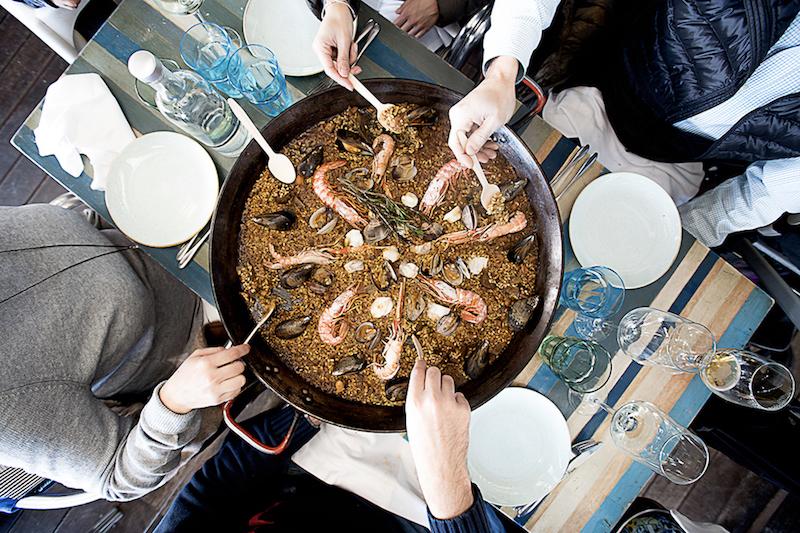 魚介の旨味が凝縮された「エスクリバパエリア」¥3,400