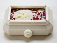 シャネルの腕時計がケーキに! 「ベージュ アラン・デュカス 東京」の美しすぎるクリスマスケーキが予約開始