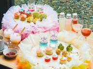 トモ コイズミの大胆なフリルの世界がアフタヌーンティーに! エースホテル京都で1日15組限定開催