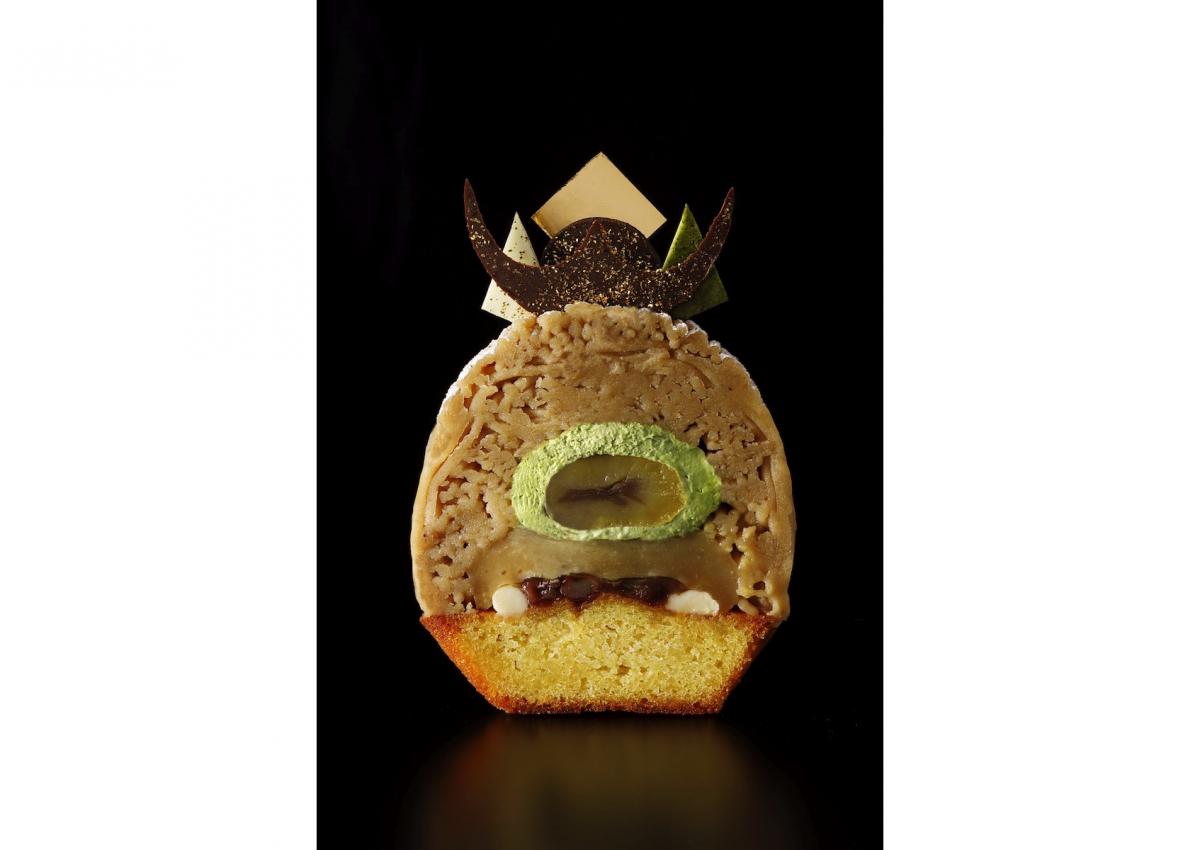 「スーパーモンブラン」の断面図。黒蜜あんこや豆乳ホワイトガナッシュなどが、和栗本来の美味しさを引き立てている。